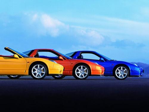 Kỷ Dậu nên chọn xe màu vàng, nâu, đỏ, cam, hồng