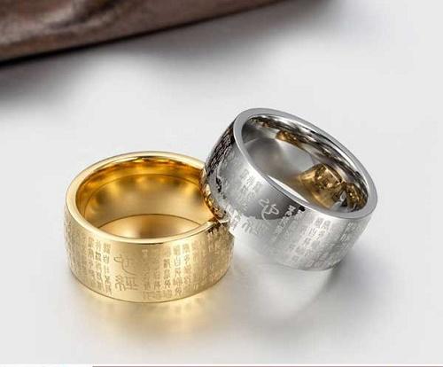 Người sinh năm 1970 nên đeo nhẫn màu bạc, vàng